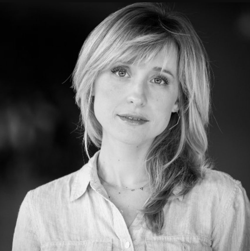 Allison Mack Wiki, Age, Height, Husband, Children, Family, Biography & More - Famous People Wiki