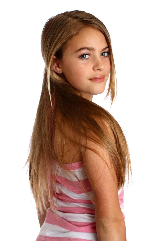Beautiful Teens Posing 108