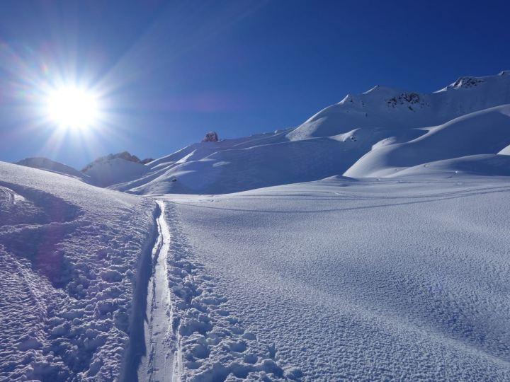 Schon beim Aufstieg kann man das Top-Gelände erkunden...
