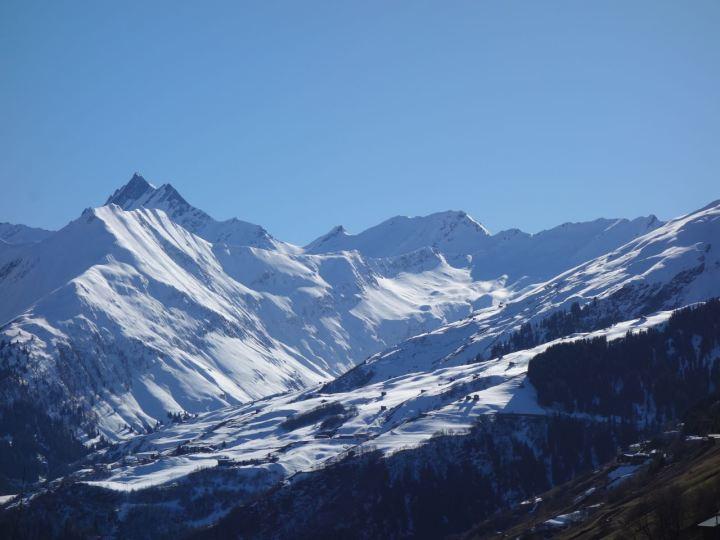 Tal des Lichts: der Talschluss des Val Lumnezia ist ein traumhaftes Tourengebiet für konditionsstarke!