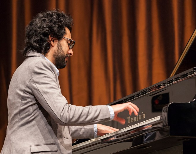 Tarek Yamani performing at the Freer Gallery of Art.