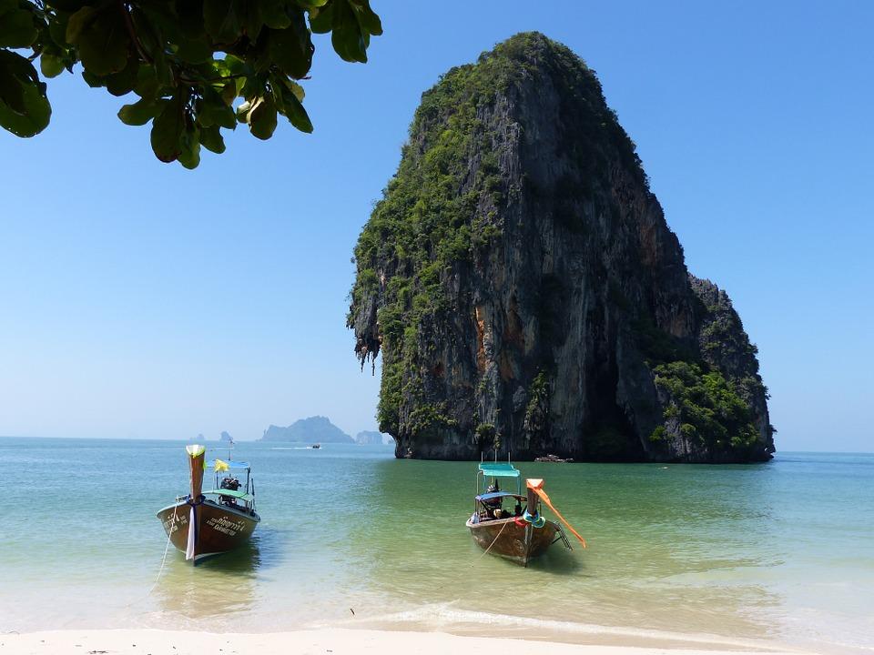 Barcos, Falou Da Praia, Krabi, Tailândia