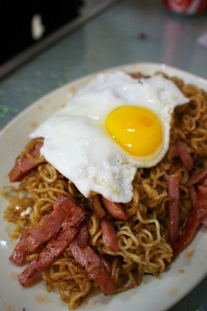Sun Kee - Fried Instant Noodles with Pork Sausages and Pork Cheeks