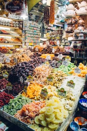 Dried Fruits: Apricots & Kiwis