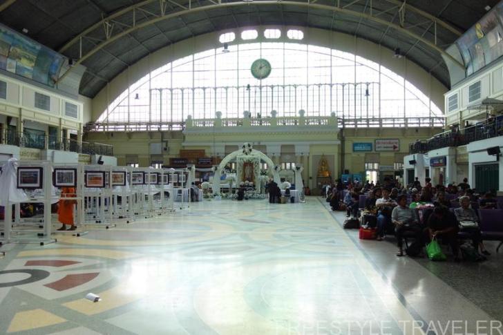 ファランポーン駅の待合室