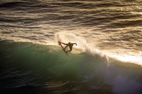 This is one example of what North Shore standout Barron Mamiya does on a regular basis: pulling full rotations, this time at backlit Honolua Bay. Everyone is expecting big things from him.