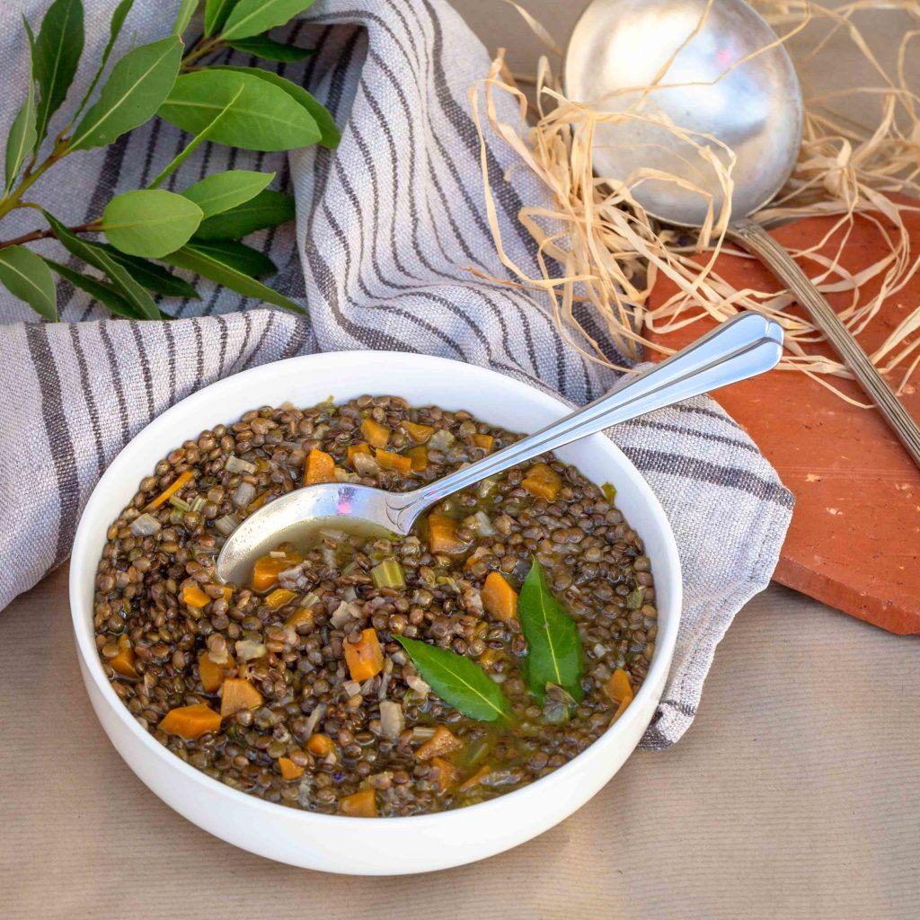 Une recette de soupe de lentilles végétarienne et sans gluten pour se réchauffer cet hiver !