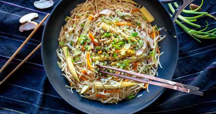 Chow Mein Végétarien – Nouilles Sautées (recette express)