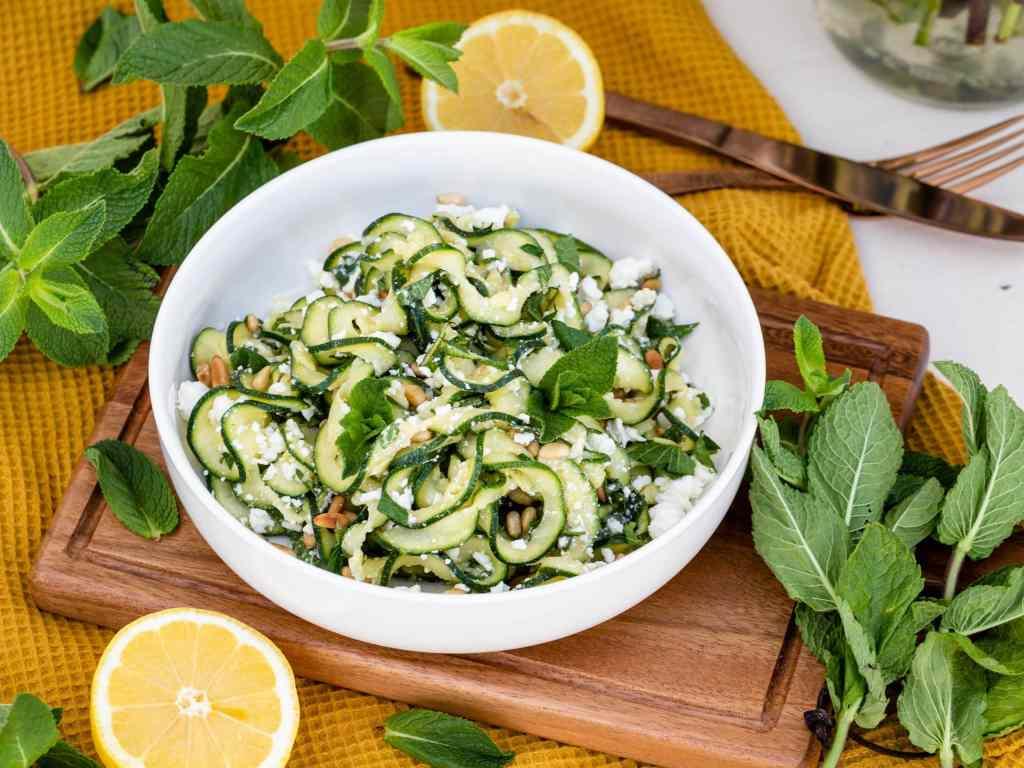Recette de Salade Végétarienne de Courgette crue à la Menthe