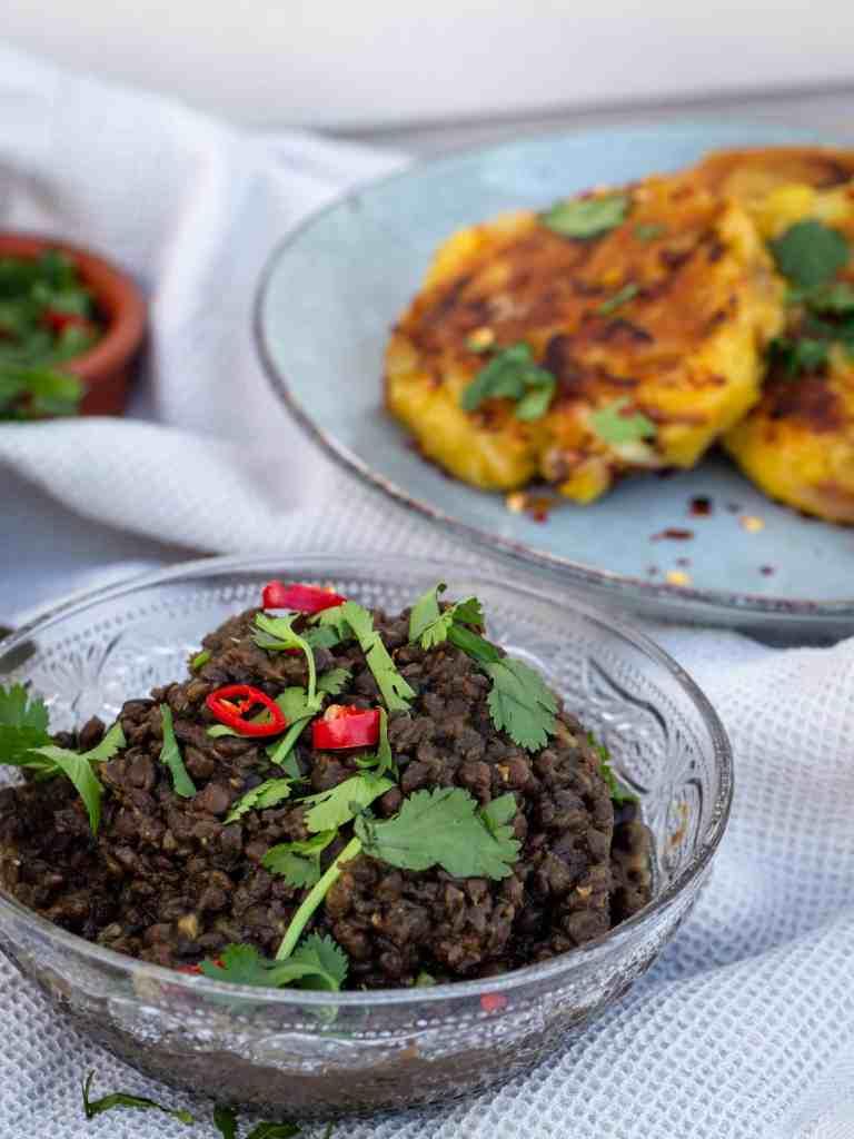 """Une recette de dhal """"one pot"""" aux lentilles béluga, simple et rapide et sans matière grasse. Recette vegan, végétarienne, sans gluten"""