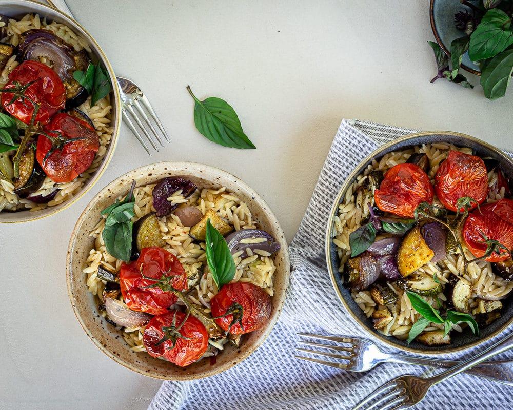 Salade aux Légumes d'Été et Petites Pâtes Orzo