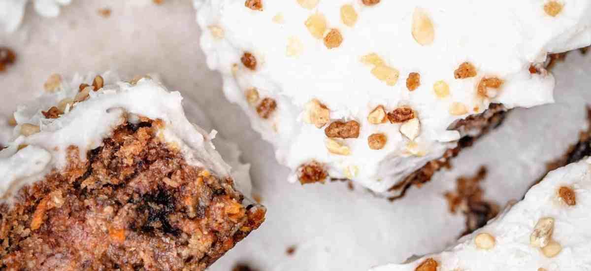 Carrot Cake Végan à la Noix de Coco (Sans Gluten)