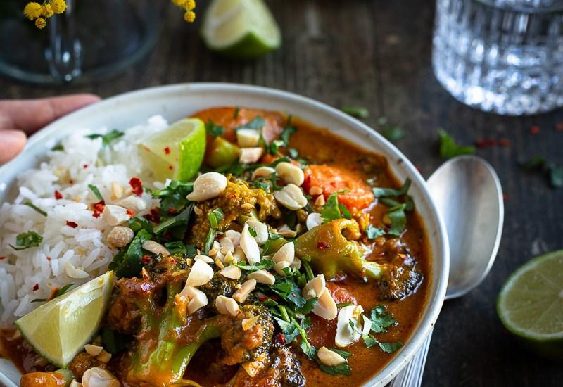 Curry Massaman Végétarien simplifié (Curry Thaï Rouge à la Cacahuète)