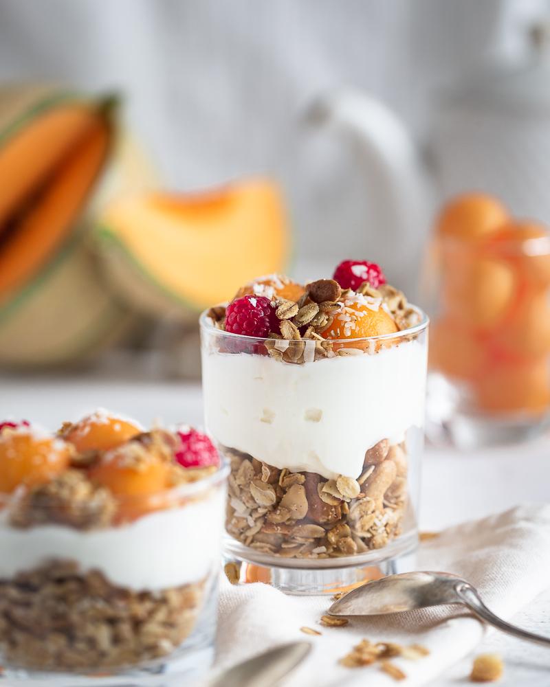Pour bien démarrer la journée, ce granola croquant vanille coco est la douceur incarnée ! Avec son goût tout doux, il se marie à peu près avec tout ce que vous voudrez.