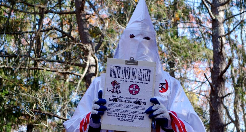 A member of the Ku Klux Klan who says his name is Gary Munker poses for a photo during an interview with AFP in Hampton Bays, New York on November 22, 2016 (AFP Photo/William EDWARDS).