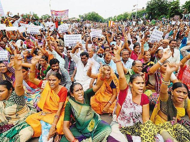 Dalit women shout slogans in Ahmedabad Photo: Vijay Soneji, The Hindu