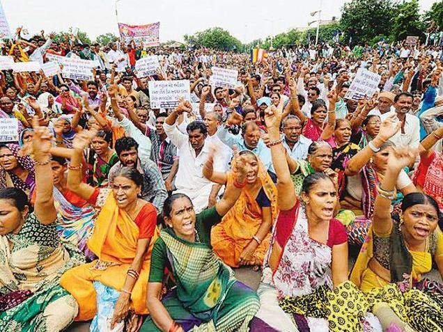 Dalit women shout slogans in Ahmedabad Photo: Vijay Soneji, The Hindu
