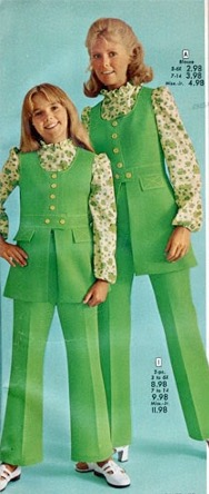 1970 ad featuring photo of mother and daughter wearing identical green polyester pant suits and matching print blouses.