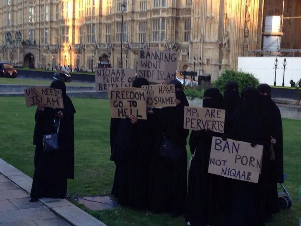 A bunch of faceless brainless zombies in UK