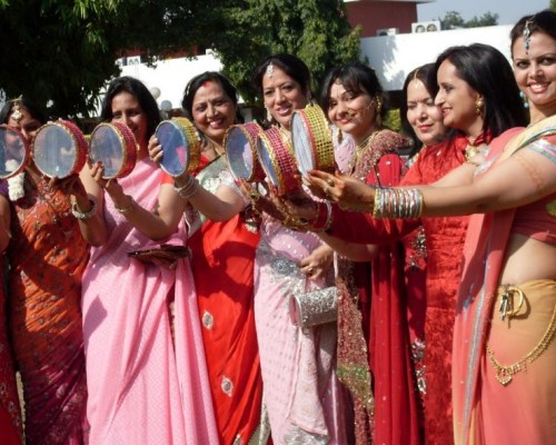 Members of Aspiration Ladies Club celebrating Karva Chauth at Chandigarh Club on Oct 26 (4)