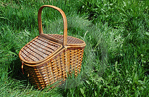Free Stock Photography - The basket for picnic.
