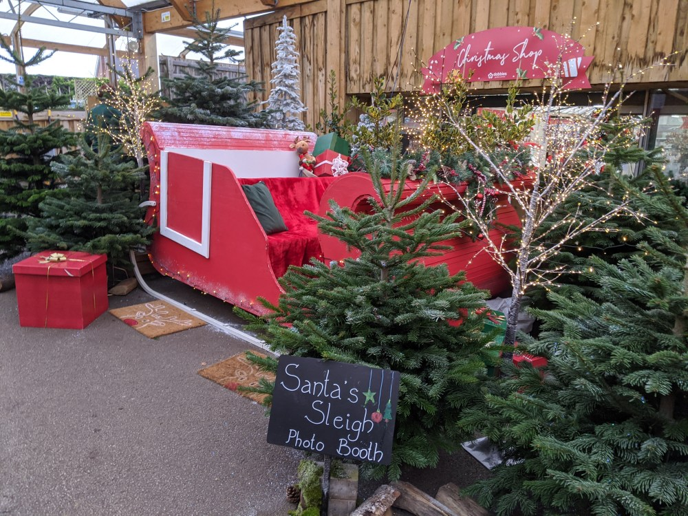 Dobbies Wendover Winter Wonderland walk-through Review | Free Time with the Kids