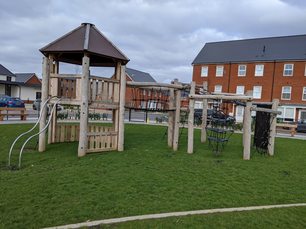 Kingsbrook Playground, Bellingham Way, Aylesbury |  Review by Free Time with the Kids