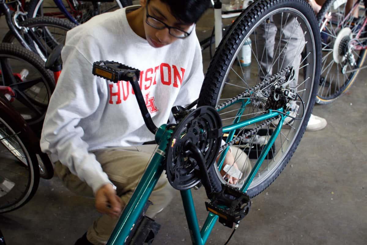 Freewheels mechanics make sure everything is operating as it should.
