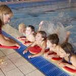 Kinderschwimmkurse für Kinder ab 3 Jahre - Schwimmen lernen leicht gemacht - Foto: © Monkey Business - Fotolia.com