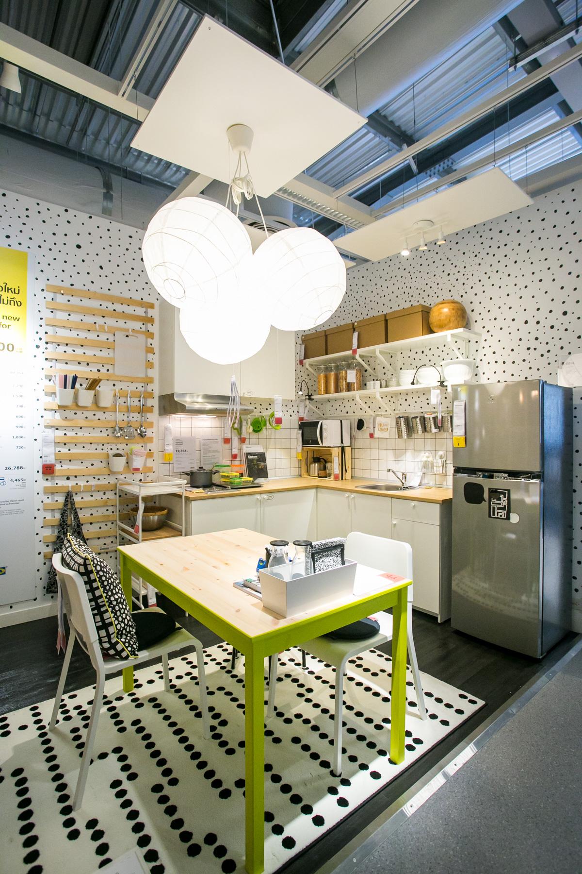 Conscious Green Kitchen Neongrey