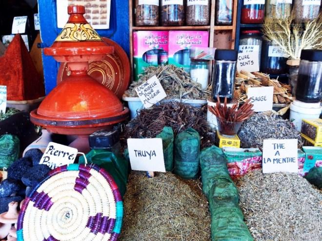 Markt in Essaouira: Gewürze, Tee und Kräuter