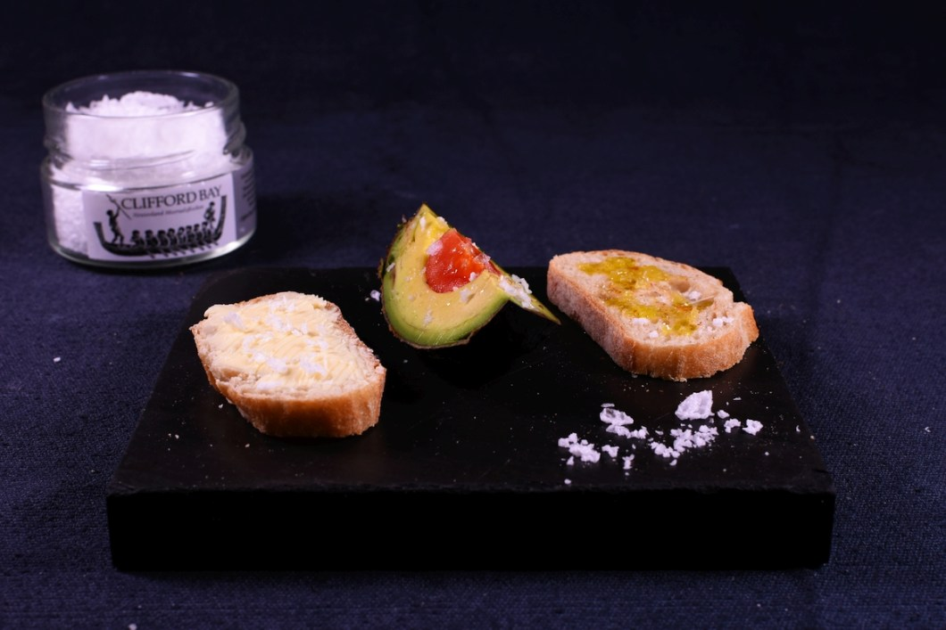 Cliffordbay Glas Avocado Brot Olivenöl 1