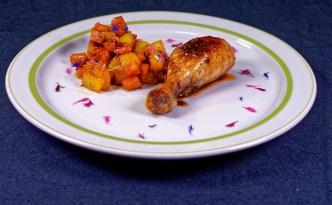 Asiatische Hähnchenschlegel mit Süßkartoffel paprika Ragout