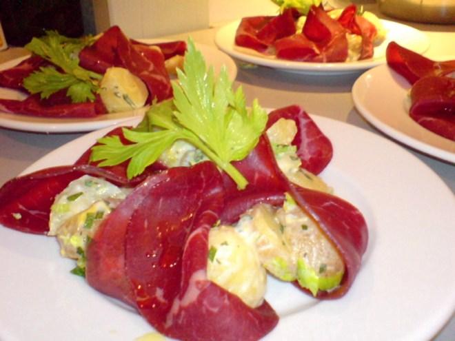 Pellkartoffelsalat im Bündnerfleisch