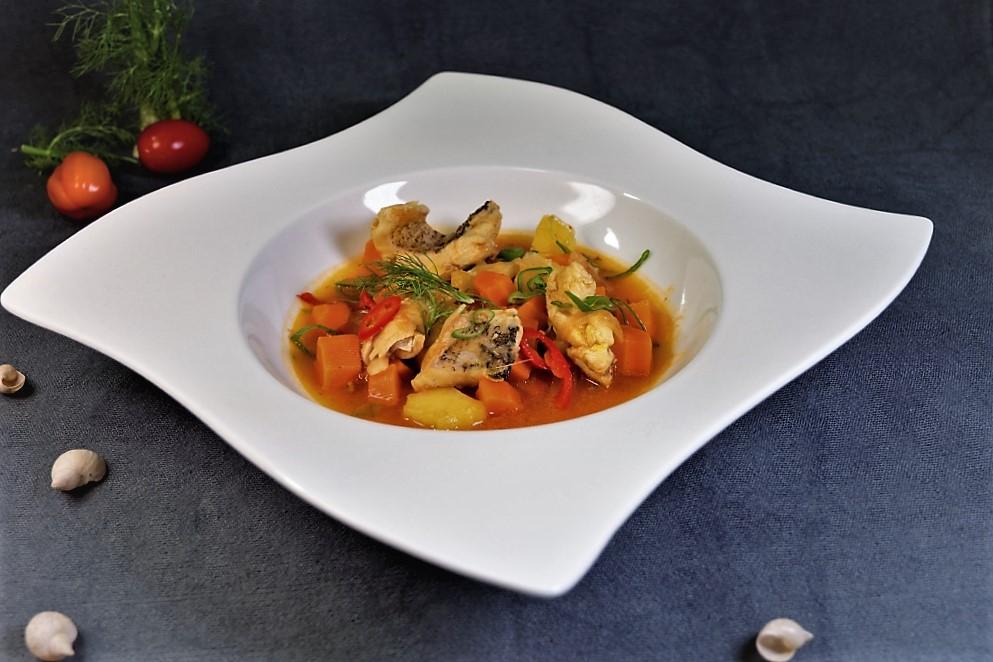 Fischsuppe A La Bouillabaise, Mit Einlagen Aus Dem Bodensee, Safran,  Saisongemüse