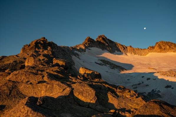 Umliegende Landschaft zum Sonnenaufgang