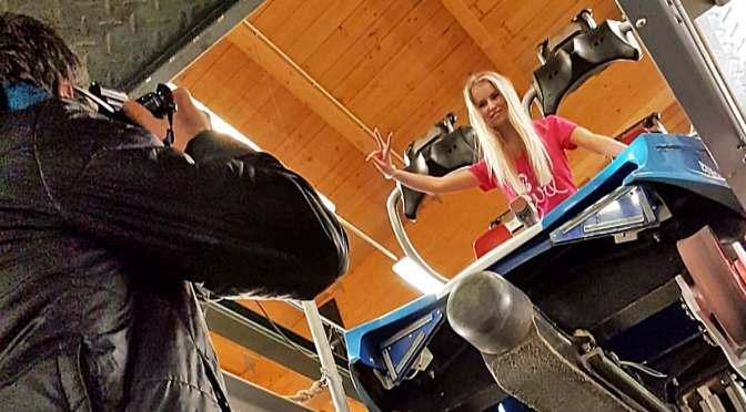 Europa-Park: Das neue RollerCoasterGirl besichtigt 'Project V'!