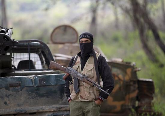 Face à une défaite prochaine, «Daech» tente de quitter la Syrie et l'Irak.
