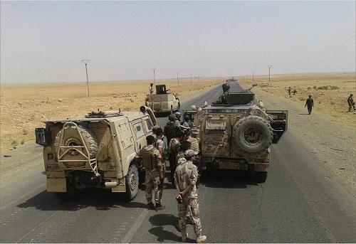 Des militaires syriens dans la province ouest de Raqqa