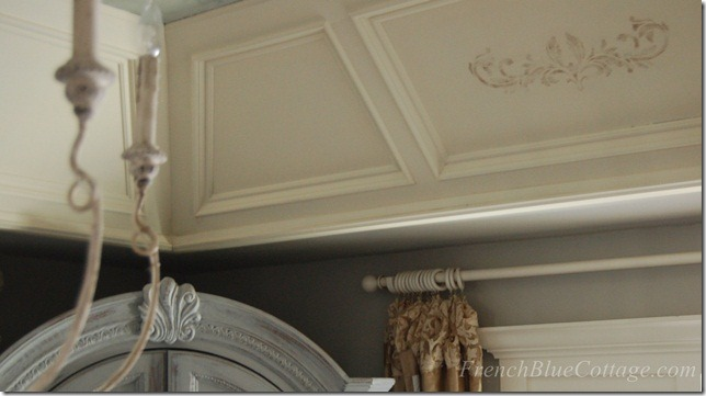 stenciled tray ceiling 1