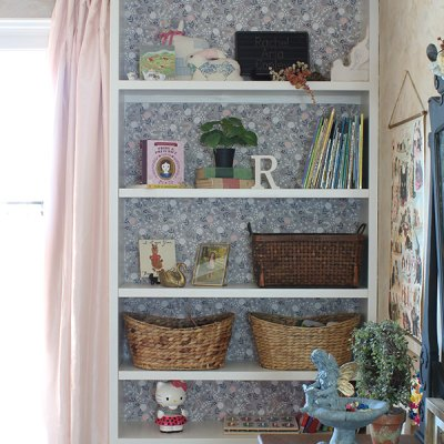Starched Fabric Wallpaper for a Bookshelf