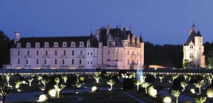 chenonceaux at night