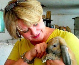 day3_img-provence-farm-rabbit