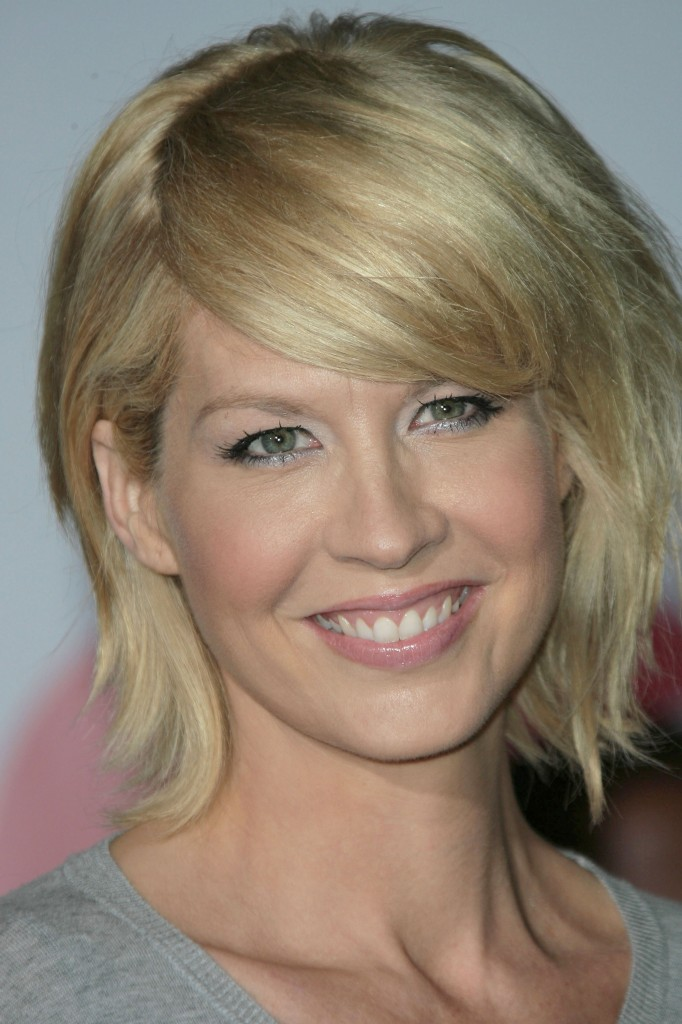 Jenna Elfman Hairstyle French Fashions