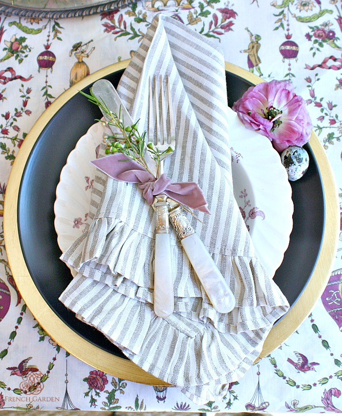 Easter-table-napkin