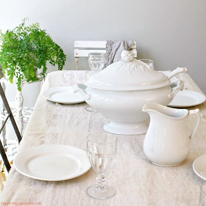 HOW TO DECORATE WITH ANTIQUE WHITE IRONSTONE
