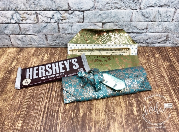 Simple Candy Wrapper with money holder for last minute Christmas Gift.
