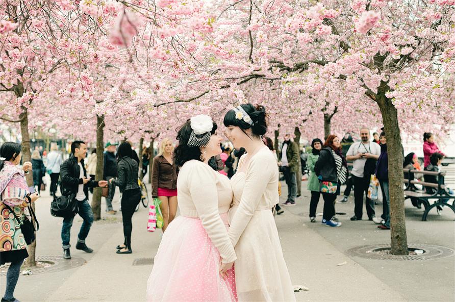sweet-pink-themed-lesbian-wedding-2-brides-photography-19