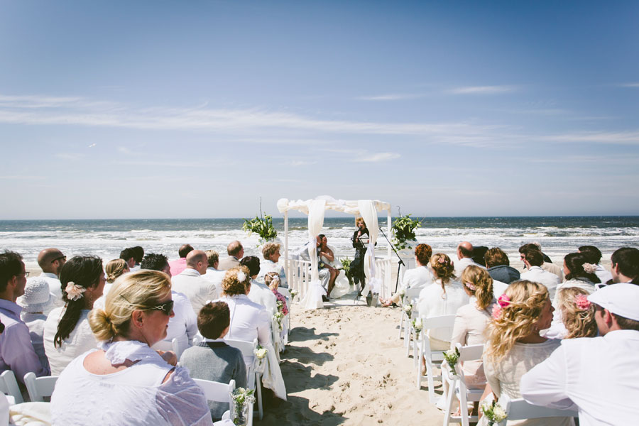 Dutch-Beach-Wedding-11