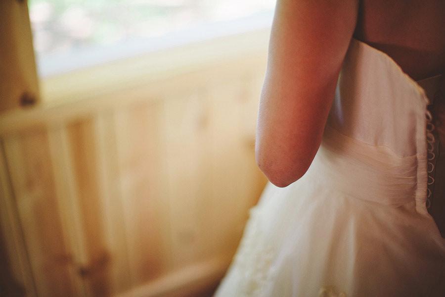 simple-wedding-pond-03